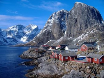 5 days – Cruise on a heritage coastal ship from Lofoten to Tromsø.